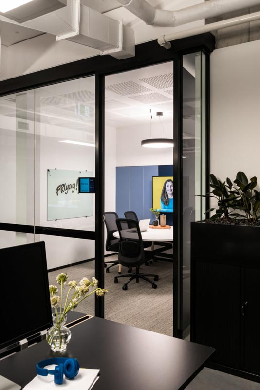 Uber Offices – Perth | Ituk | Office Furniture